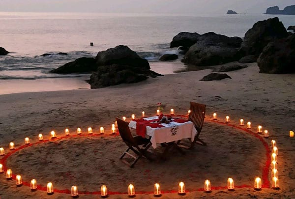 TABLE WITH CANDLES & PETALS